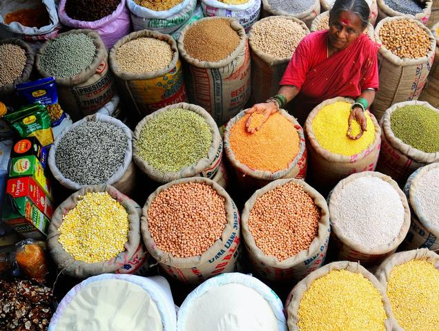 The nations worldwide are forgetting to take a note on the environmental  impacts in the world of increasing dependency on global food market. Worldwide Dependency On The Global Food Market Is Likely To Bring