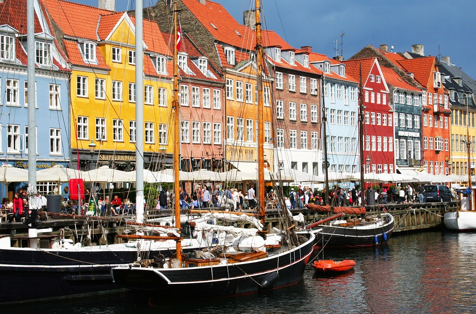 Denmark to become the first cashless economy: what about the people?
