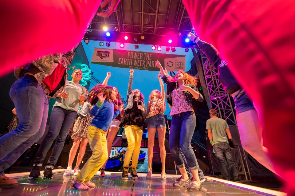 "Energy Floors Holds ""Global Dance Challenge"" In A Railway Station Of Netherland"
