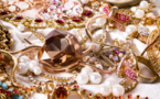 Professional thieves decamp jewelries worth 12.5 Million